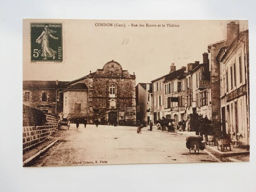 Theater of carmes - old photo Fenestras