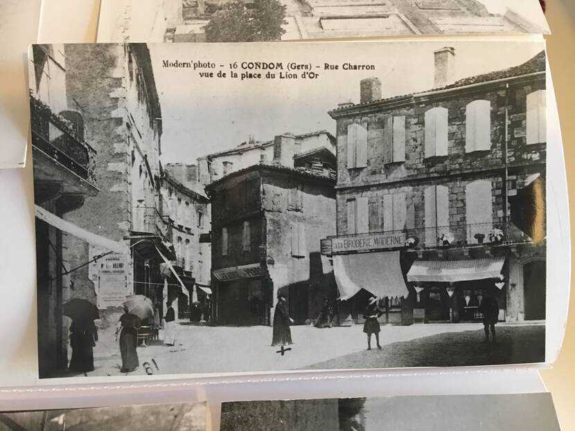 Charron street from the golden lion place - old photo Fenestra